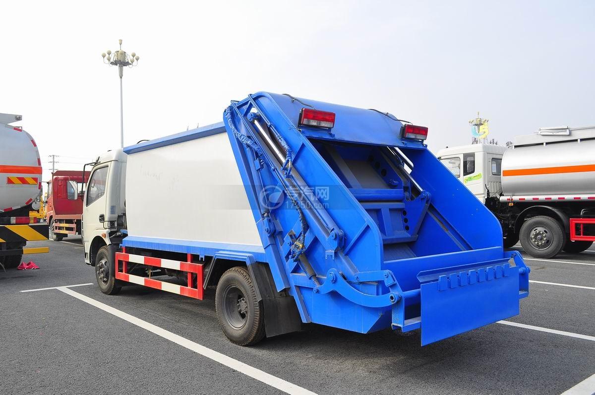 东风多利卡压缩式垃圾车左后45°图