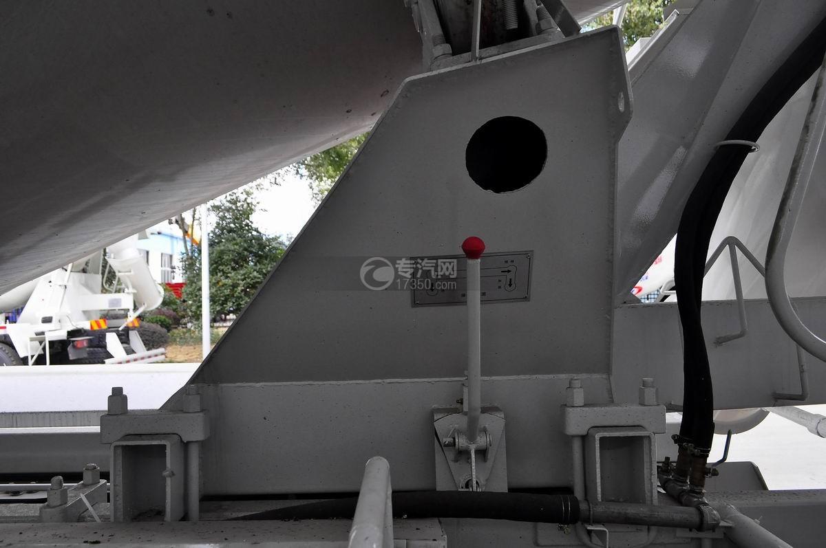 重汽斯太尔前四后八混凝土搅拌车操纵杆