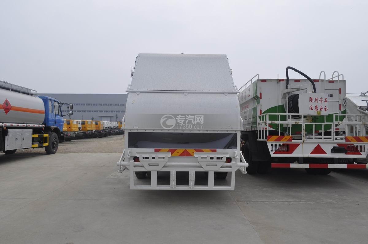 东风天锦压缩式垃圾车后面图