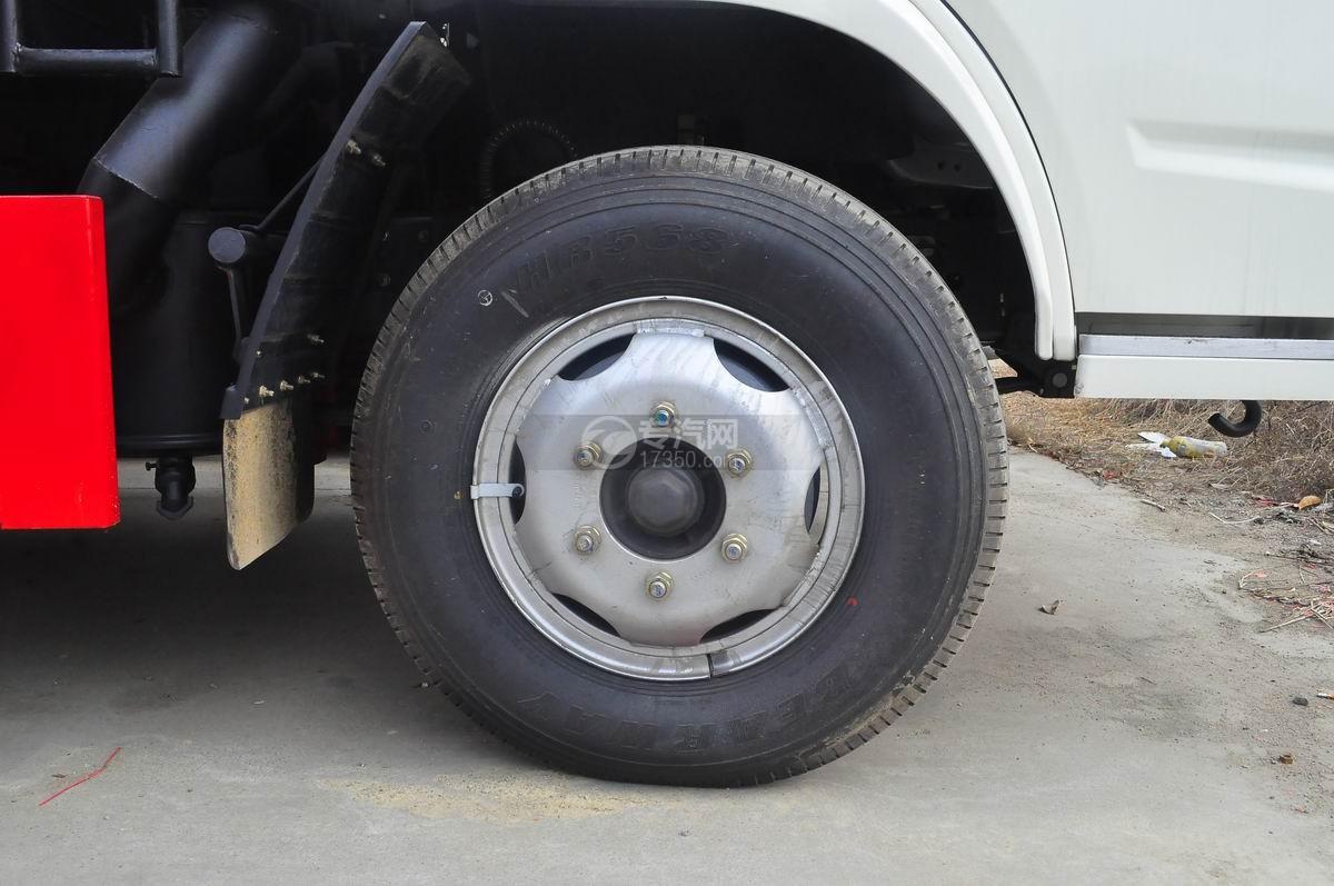 东风福瑞卡压缩式垃圾车前轮轮胎