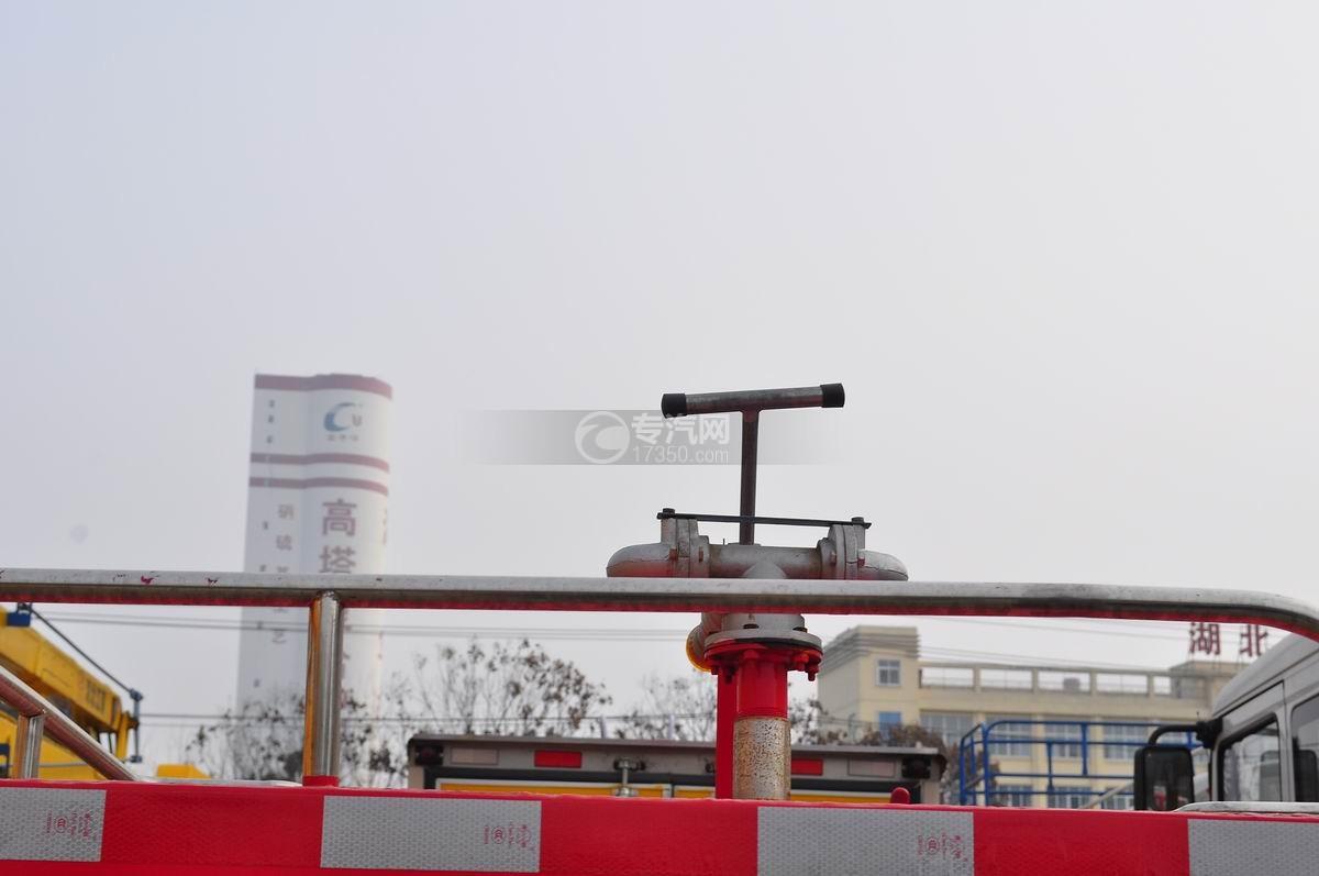 东风小霸王消防洒水车消防水泵