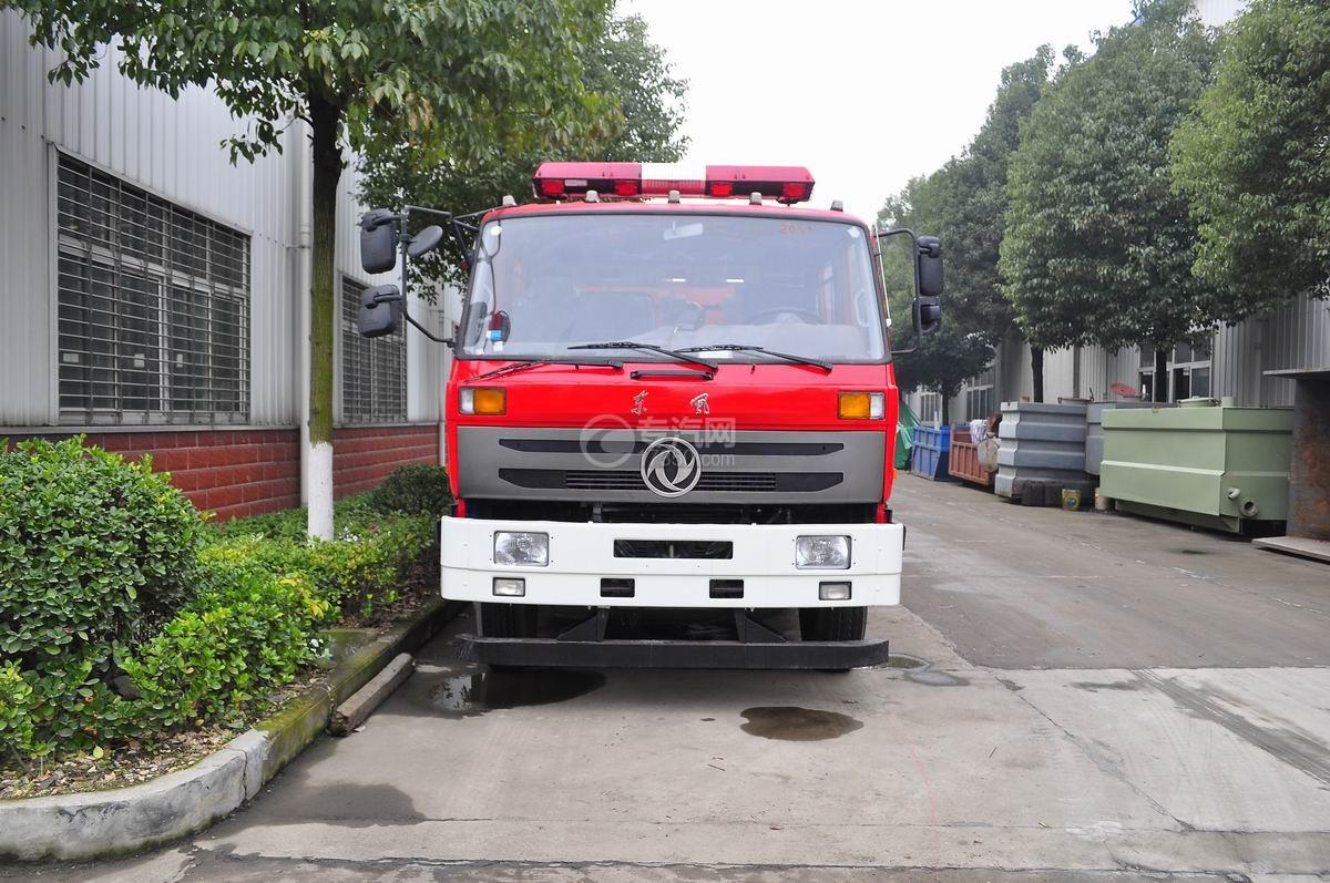 东风153水罐消防车正面图