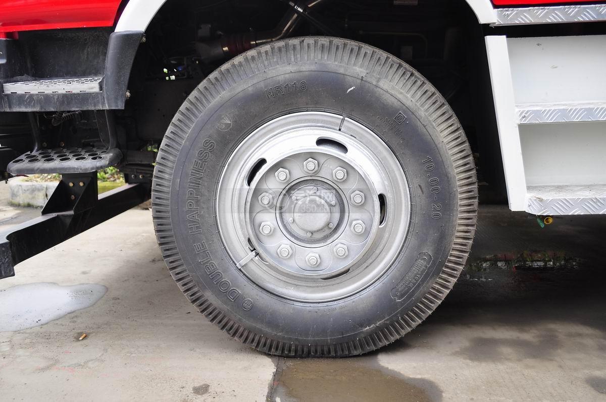 东风153水罐消防车轮胎