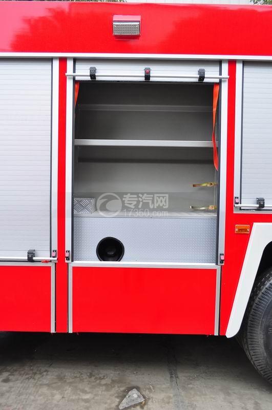 东风153水罐消防车器材箱内部结构