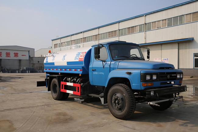 东风140型6.51吨洒水车