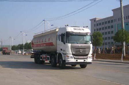 集瑞联合前四后八34.6方粉粒物料运输车