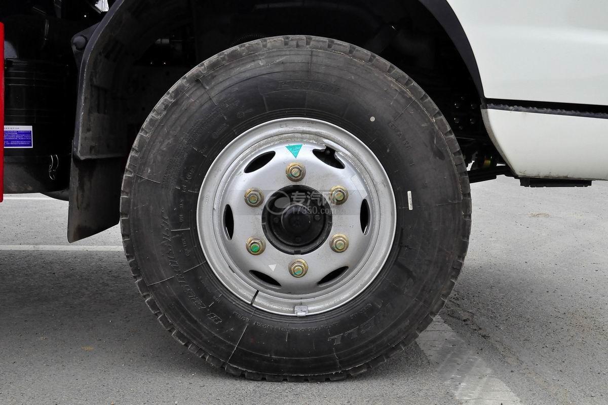 福田奥铃CTX单桥冷藏车前轮胎