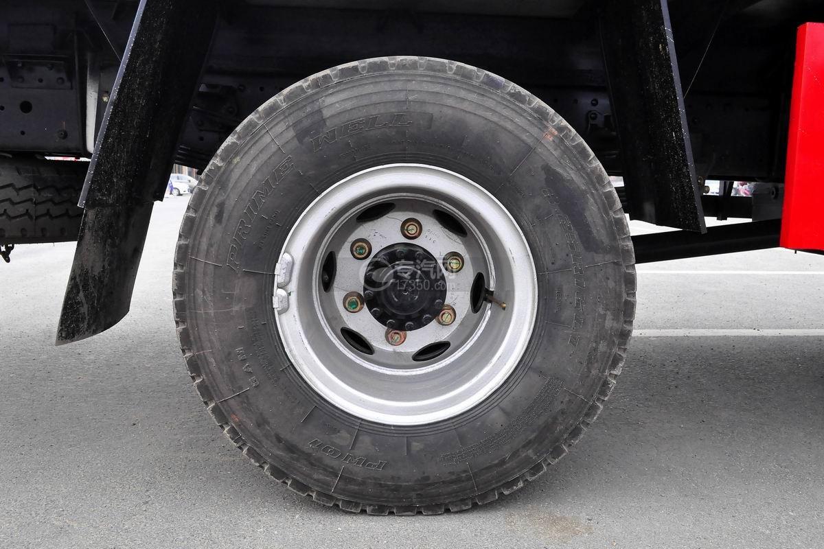 福田奥铃CTX单桥冷藏车后轮胎