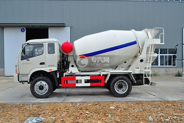 福田时代中驰J4国五4方混凝土搅拌车侧面方位图