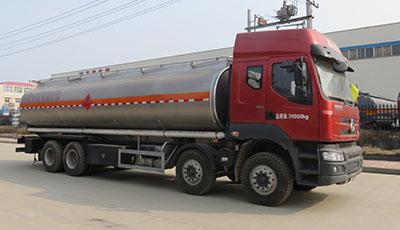 东风柳汽乘龙H7前四后八23.78方易燃液体罐式运输车