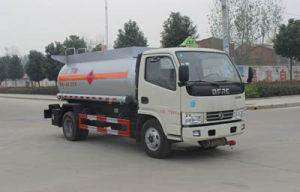 东风锐铃4.8方易燃液体罐式运输车