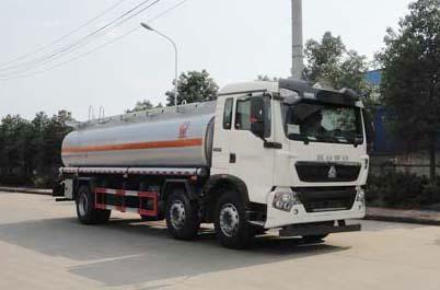 重汽豪沃T5G小三轴17.6方国五运油车