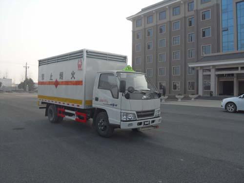 江鈴凱運單排易燃氣體廂式運輸車