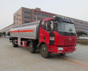 解放J6M小三軸國五加油車