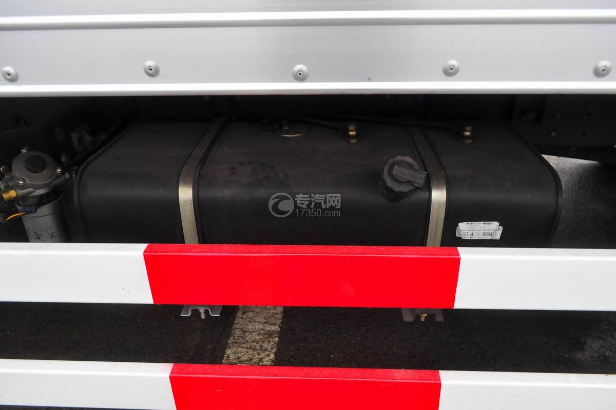 大运奥普力单排冷藏车油箱