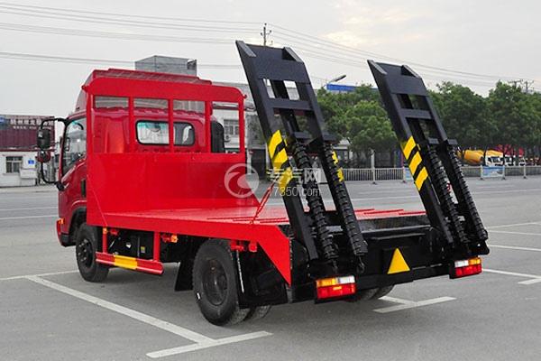 8大运单排上蓝牌拖60挖机平板运输车