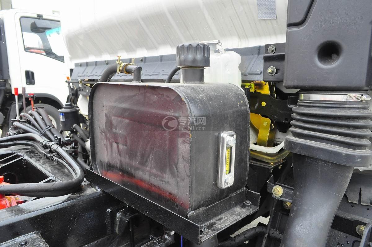大运奥普力勾臂式垃圾车液压油箱