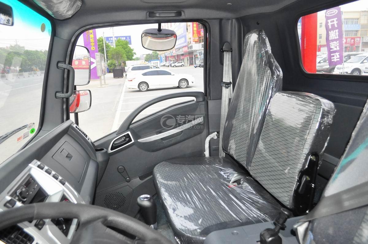 大运奥普力平板运输车驾驶室座椅