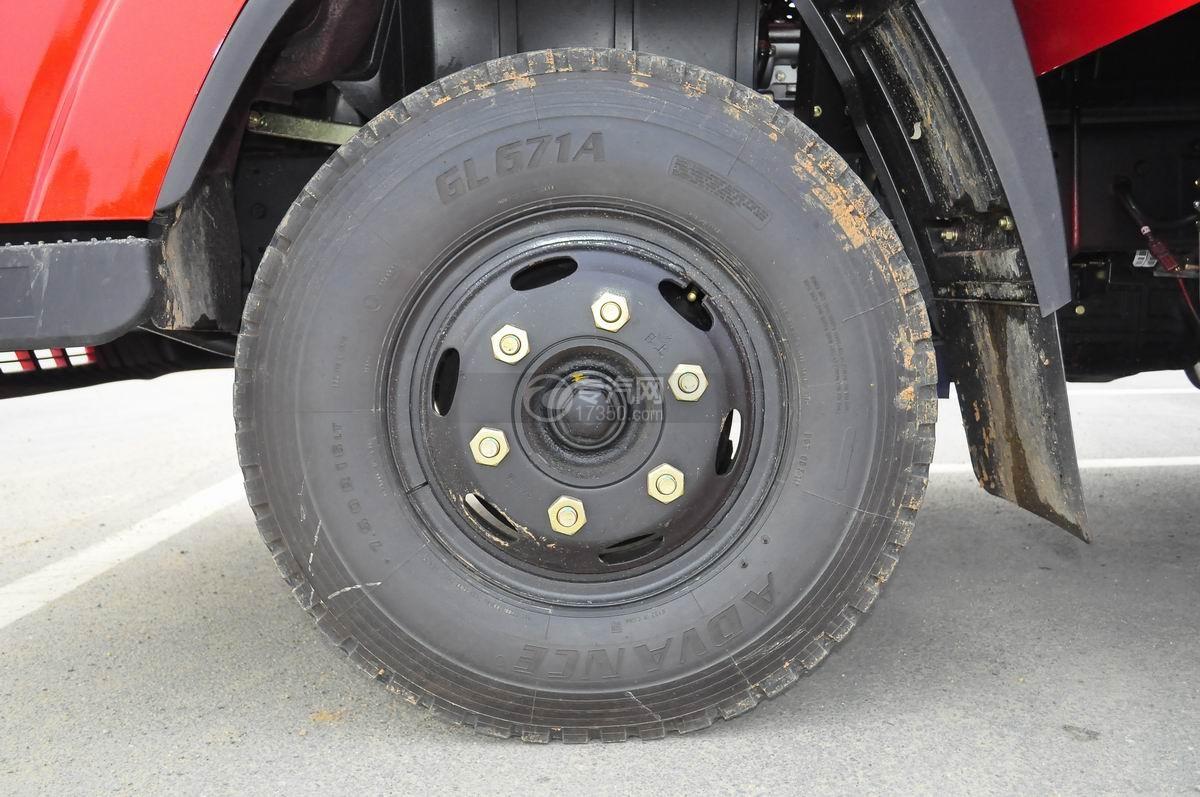 大运奥普力平板运输车轮胎