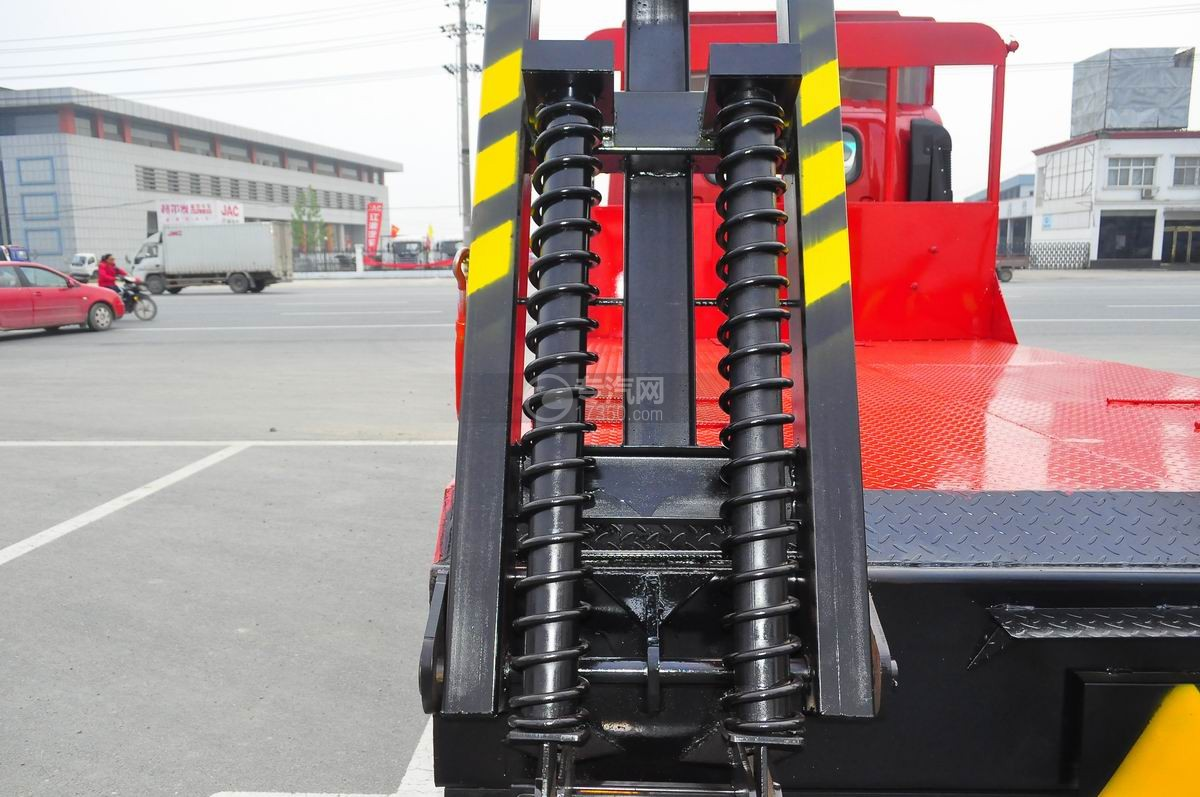 大运奥普力平板运输车液压弹簧