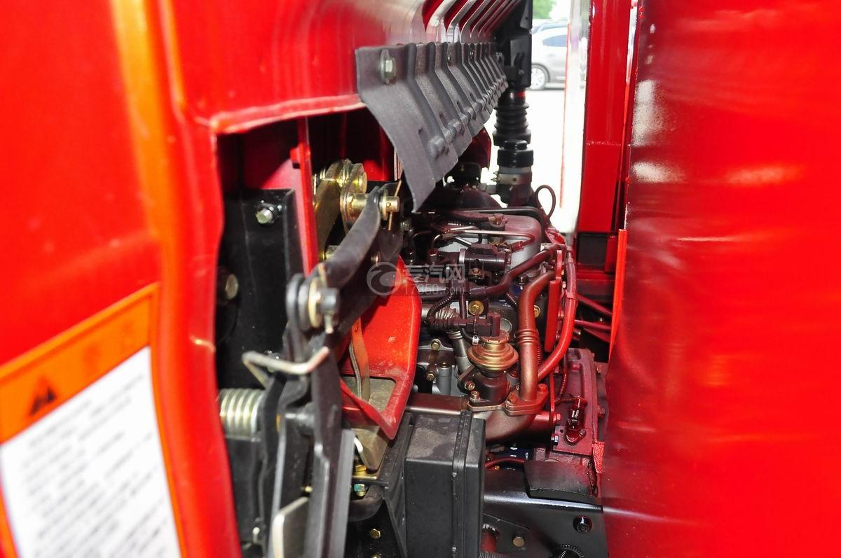 大运奥普力平板运输车发动机