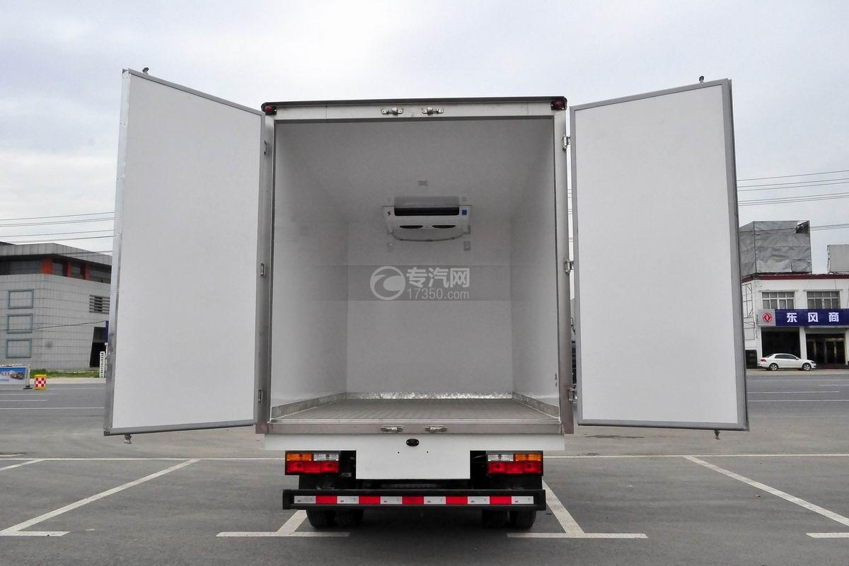 大運奧普力國五排半冷藏車后廂門打開