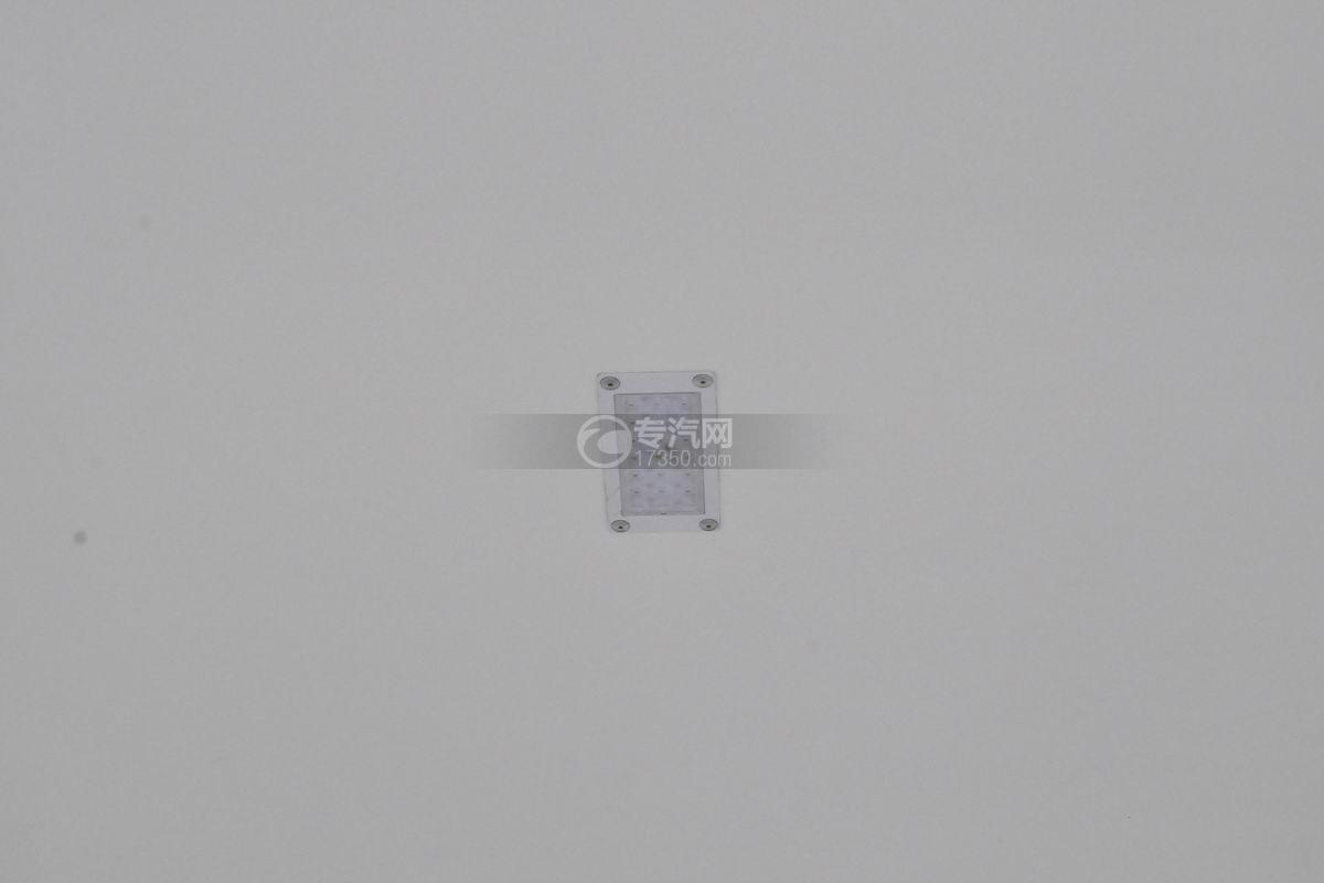 大運奧普力國五排半冷藏車照明燈