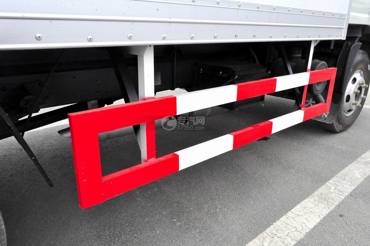 大運奧普力國五排半冷藏車防護欄