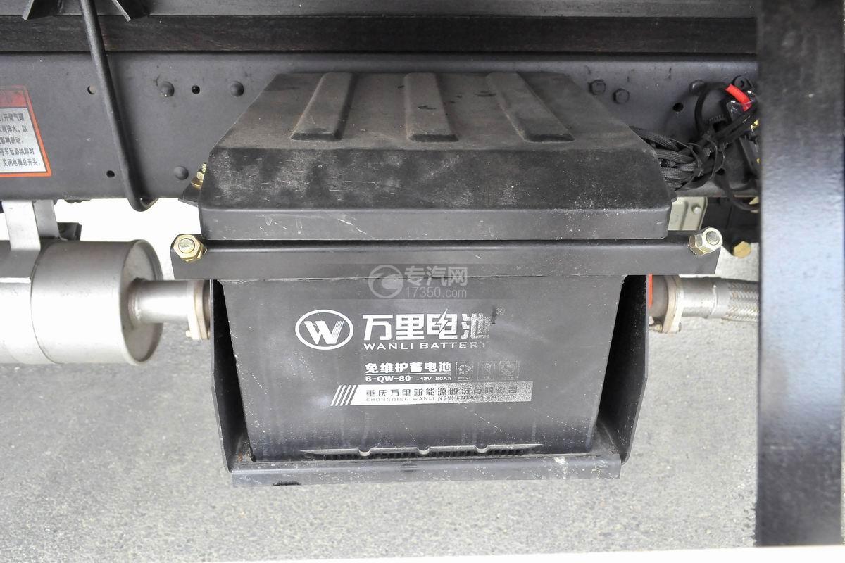 大運奧普力國五排半冷藏車蓄電池
