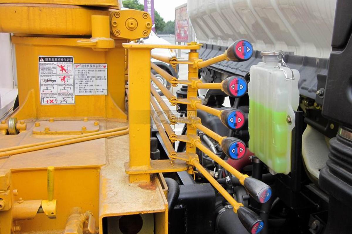 大運奧普力2噸飛濤直臂隨車吊操縱桿2