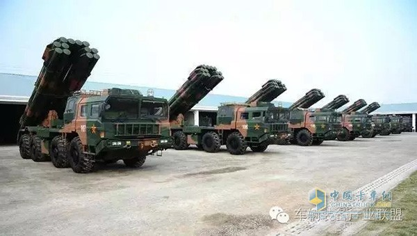 南海争端背后的专用车较量 中国版死神驼运者万山重型军车