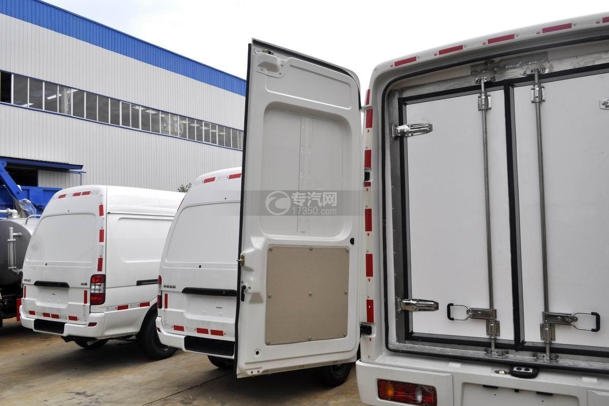 东风轻量化面包式冷藏车厢体后门