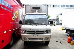 东风小霸王V冷藏车(医疗物品运输车)图片