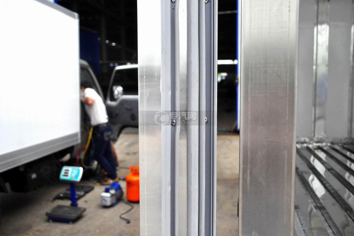 东风小霸王V冷藏车(医疗物品运输车)厢门板材
