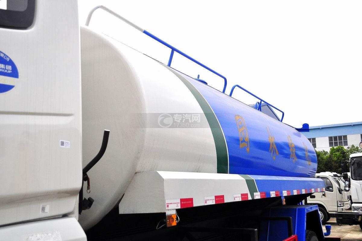 东风专用底盘国五12吨洒水车罐体细节
