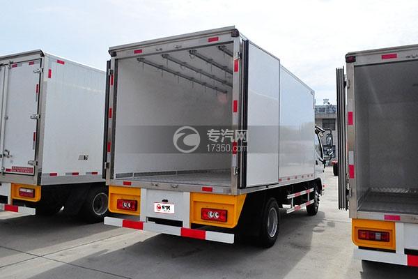福田欧马可国五冷藏车(肉钩车)右后图