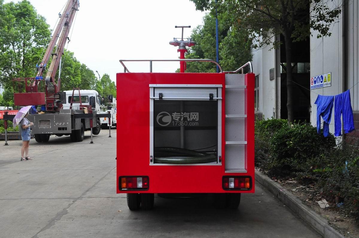 福田时代水罐消防车后面图