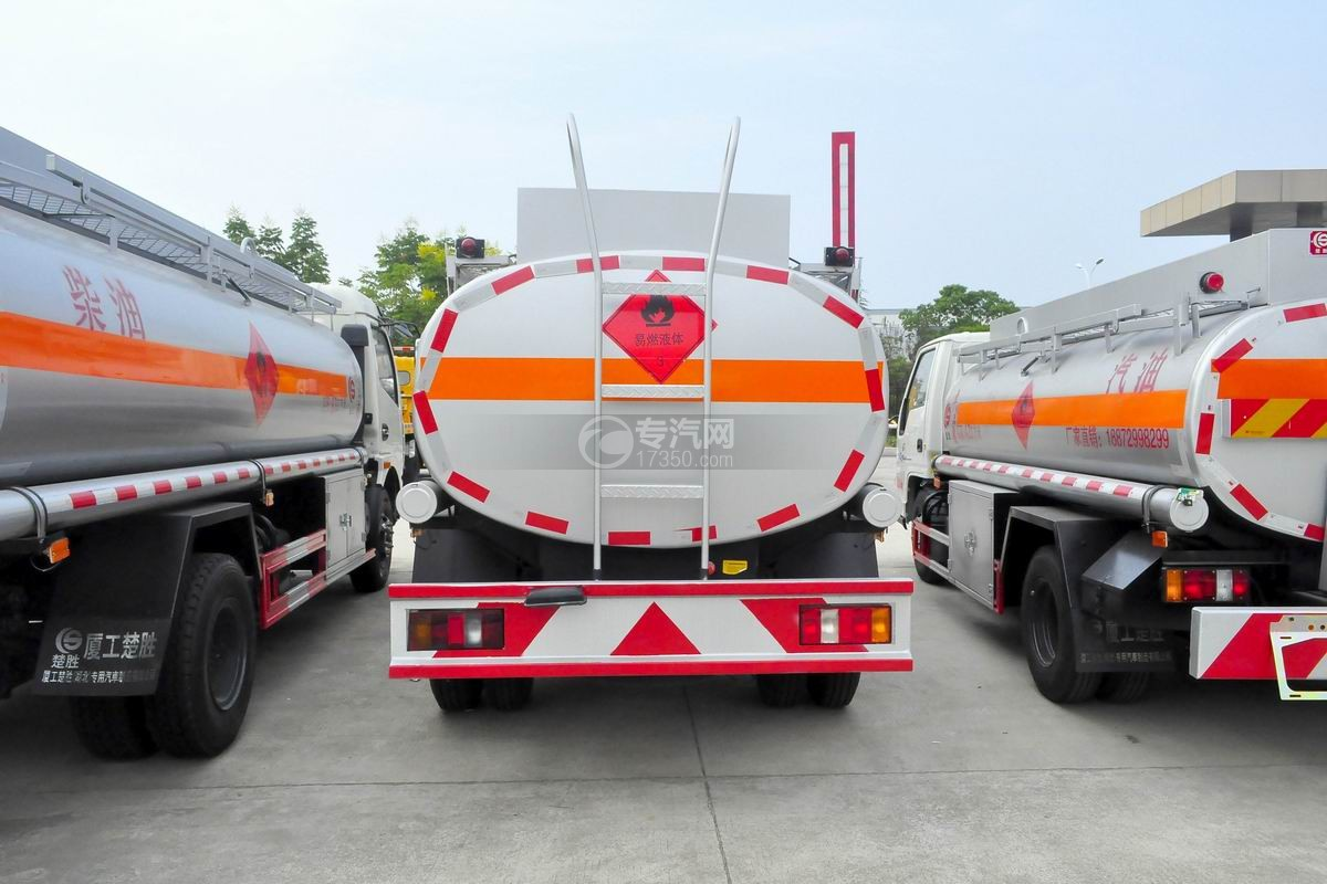 重汽豪沃5.2方加油车后面图