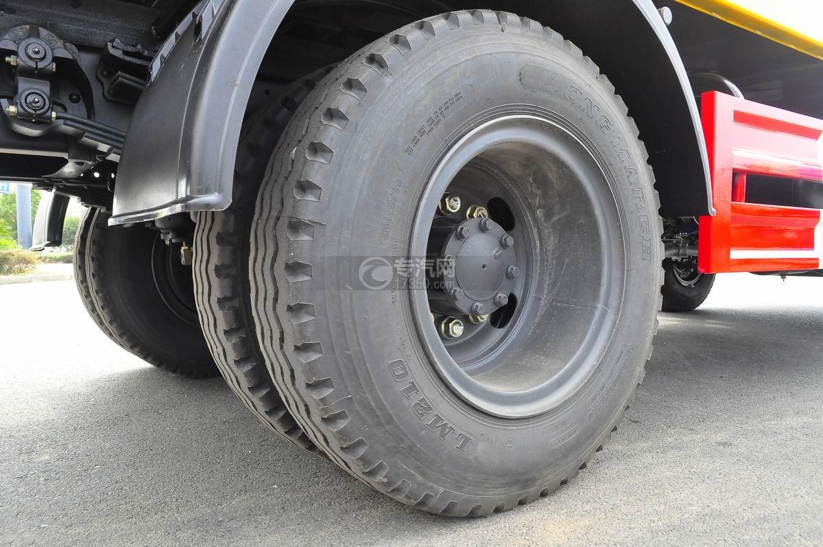 大运风度对接式垃圾车车辆轮胎