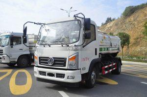 東風嘉運國五自裝卸式垃圾車圖片