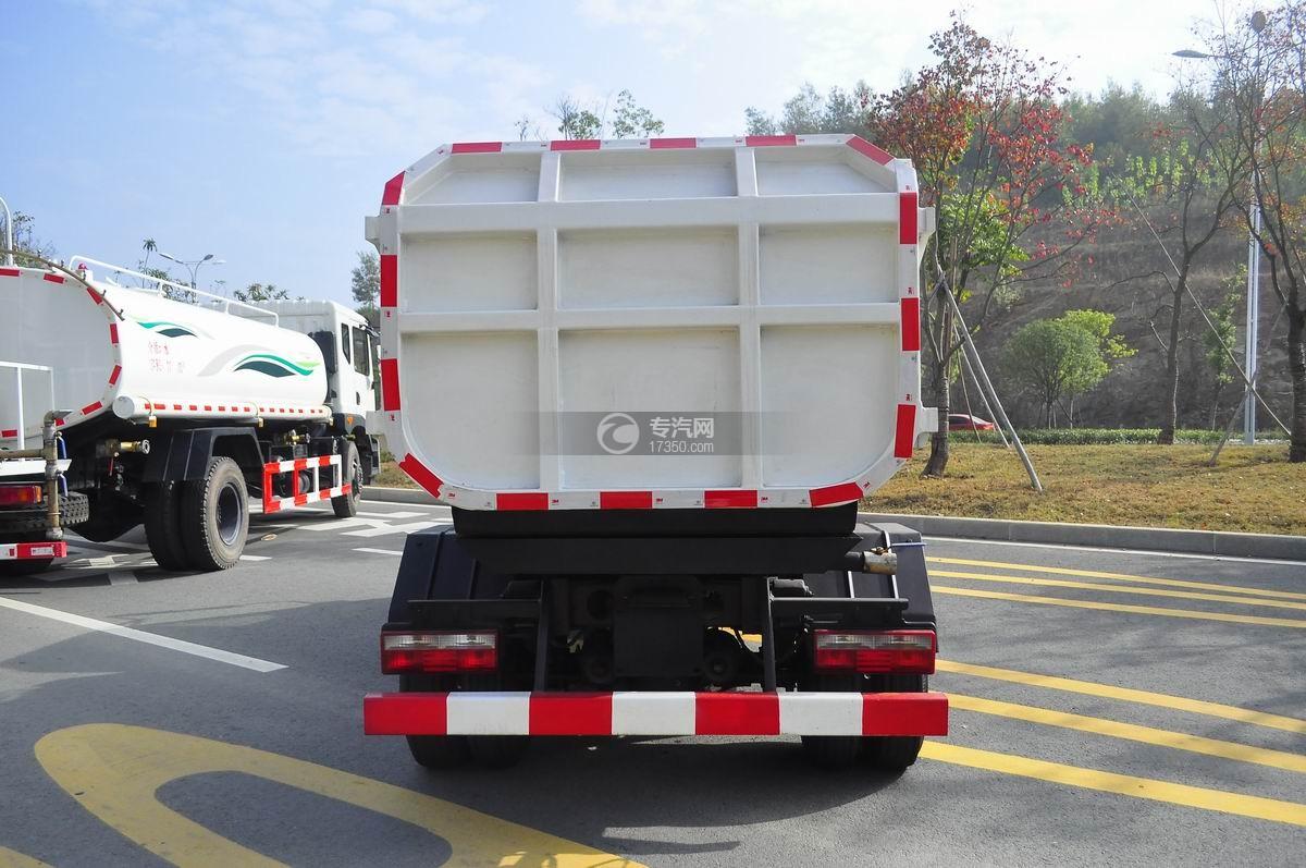 东风嘉运国五自装卸式垃圾车后面图