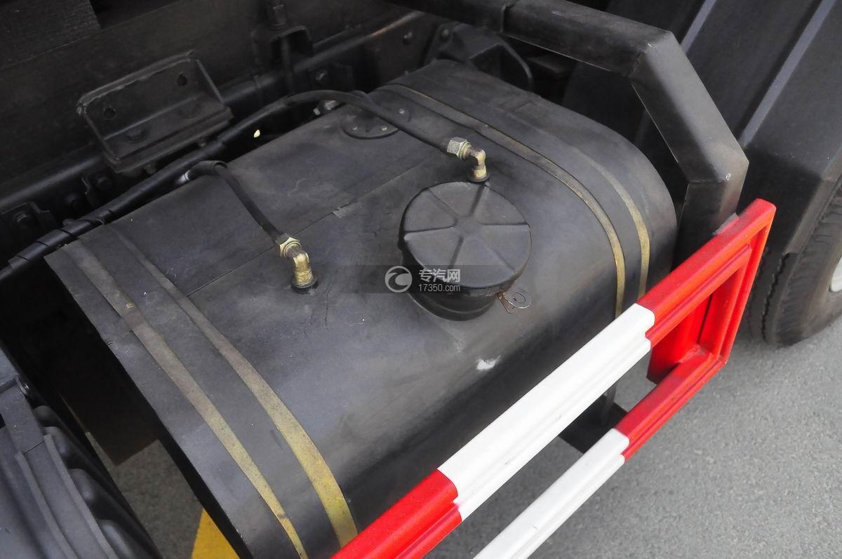 东风嘉运国五自装卸式垃圾车大号油箱