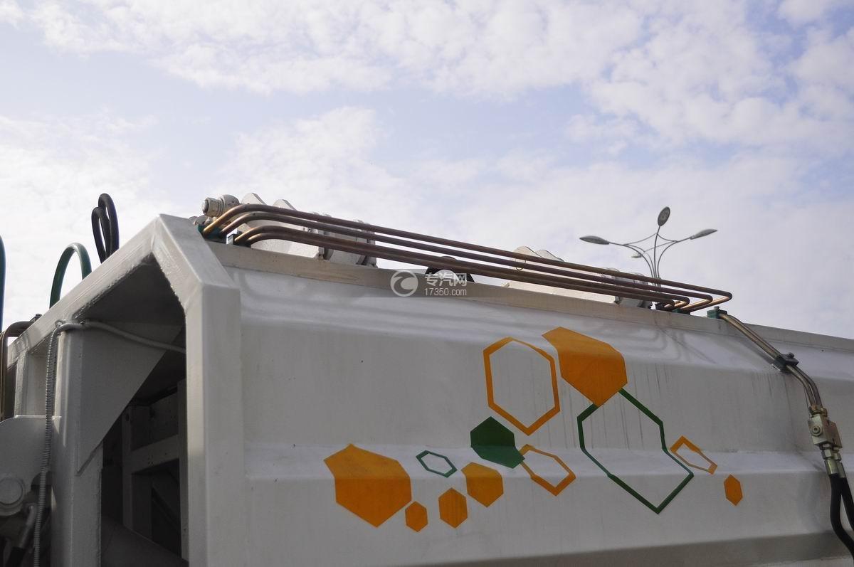 东风嘉运国五自装卸式垃圾车垃圾箱体