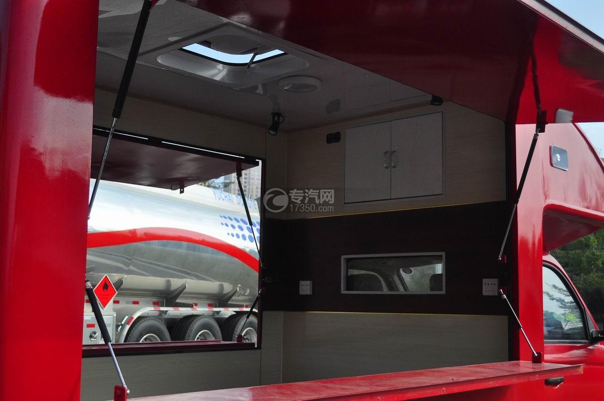福田伽途T3流动售货车(大红)售卖空间