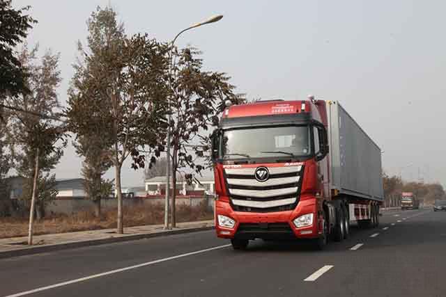 2017中国年度卡车奖项发布 欧曼EST成功夺魁