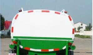东风柳汽乘龙单桥9.45方国五洒水车后面图