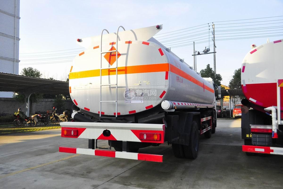 东风天锦小三轴国五21.3方运油车右后面图