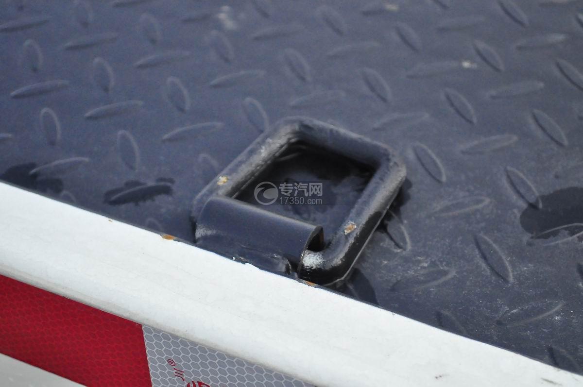 大运奥普力蓝牌一拖二平板清障车捆绑装置