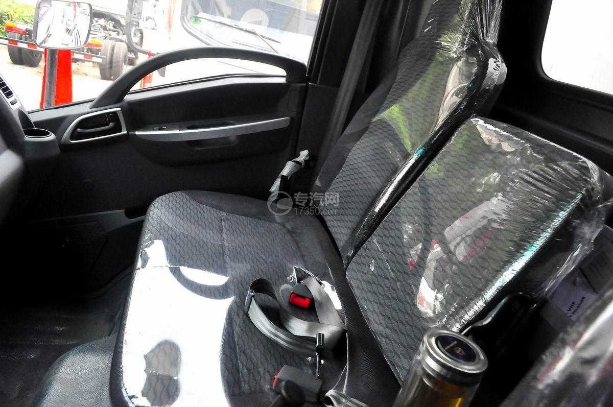 大运奥普力单排国五流动舞台车驾驶室座椅