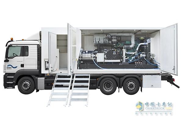 搭载了艾里逊4750全自动变速箱的高压水泵清洗车省出新天地